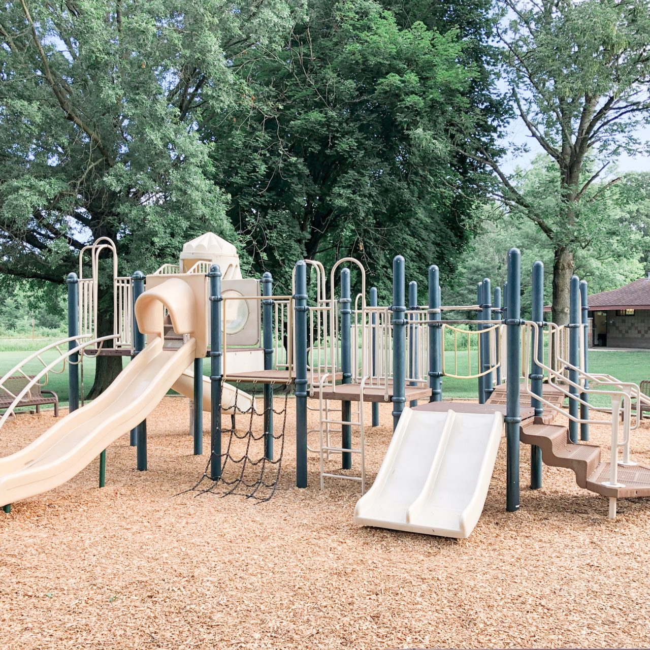 Oak Coves Picnic Area Playground at Highbanks Metro Park